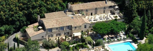 Oustau de Baumaniere, Hotel 5* Restaurant 2* - Baux de Provence